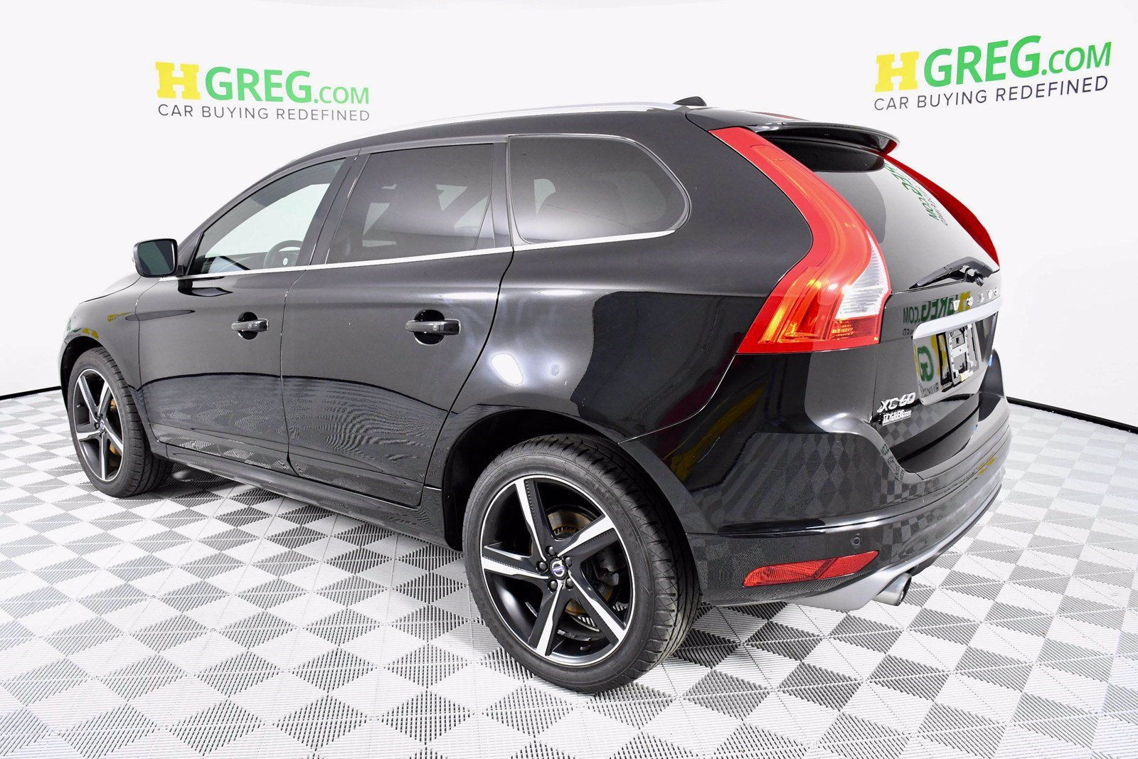 Pre-Owned 2016 Volvo XC60 T6 R-Design